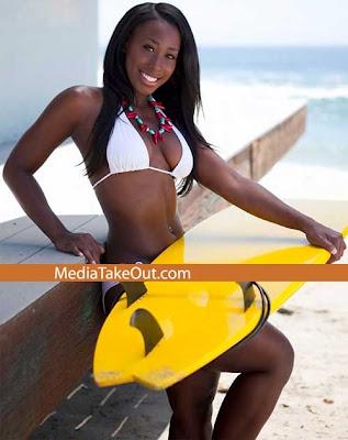 1256914994bria_bikini1.jpg