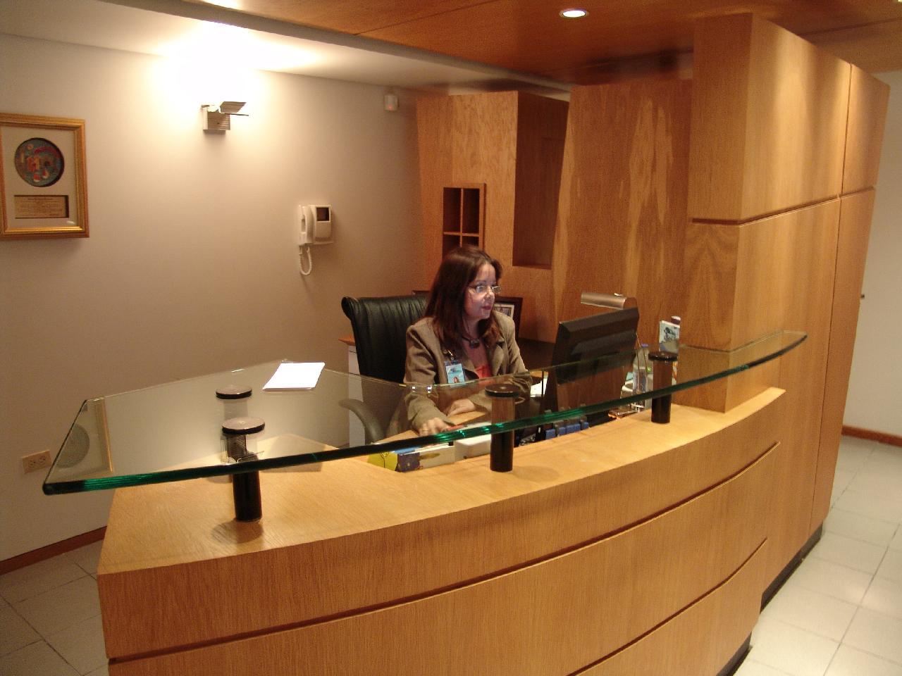 Gerencia De Alimentos Y Bebidas Recepcion Host Oficinas
