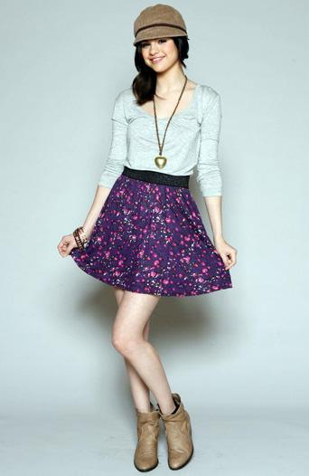 selena gomez style and fashion. Selena Gomez Chic Style