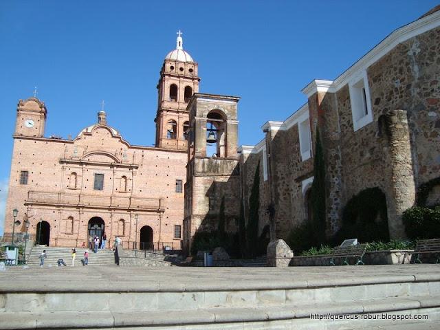 Templos viejo y nuevo de San Antonio