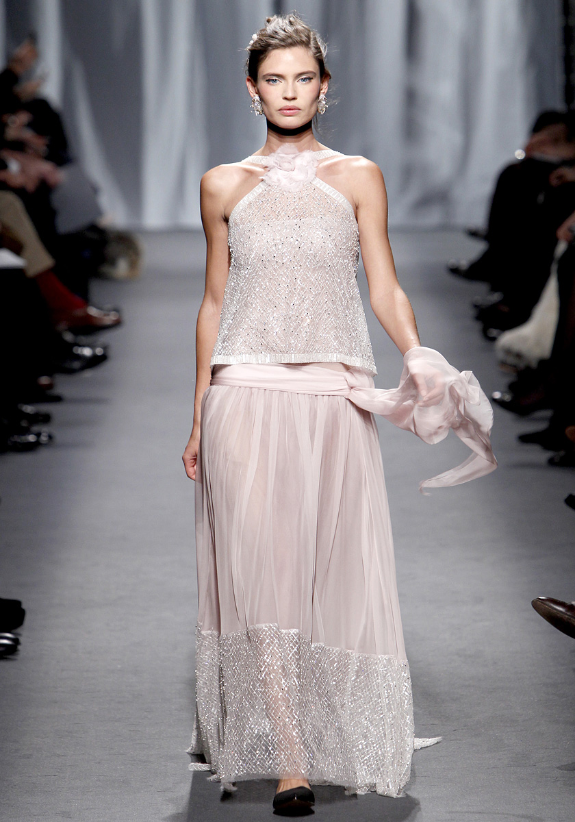 Fashionistas daily com chanel spring 2011 couture show for Loving haute couture