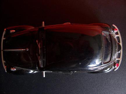 Volkswagen Beetle- Año 1945 (auto a escala, de arriba)- JE Rodríguez