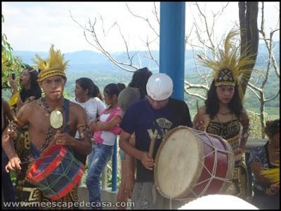 grupo de musica tipica en tahuishco (moyobamba, peru)