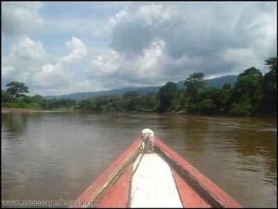 paseo en bote por el rio mayo (moyobamba, peru)