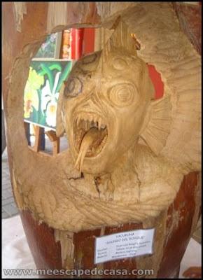 tallado del yacuruna en moyobamba, peru