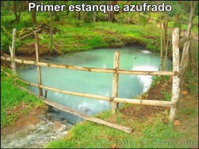 estanque con agua sulfurosa de oromina en moyobamba, peru