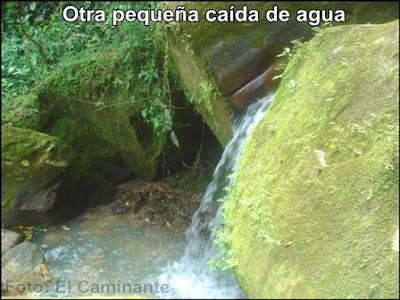 otra pequeña caida de agua mas arriba de la cascada de chapawanki (lamas, peru)
