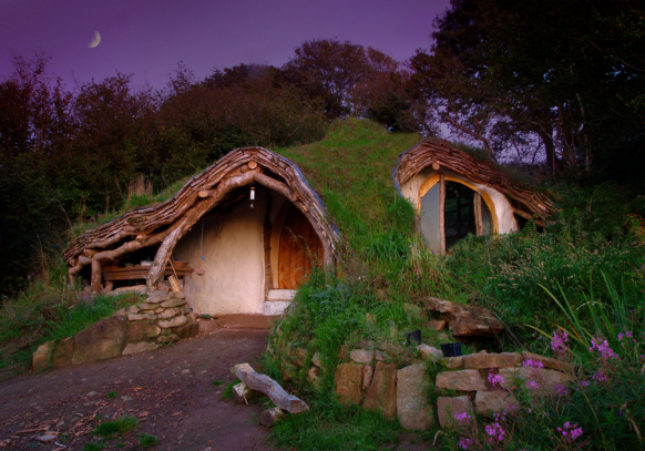 Underground House That Looks Like A Hobbit House From Lotr