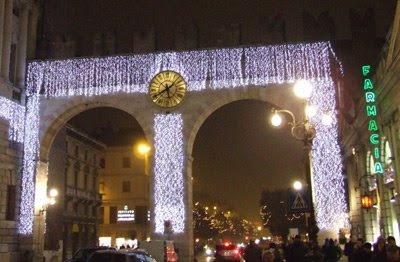L'orologio di Piazza Bra, illuminato