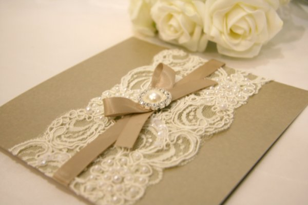Vintage Lace Wedding Invitation Ideas