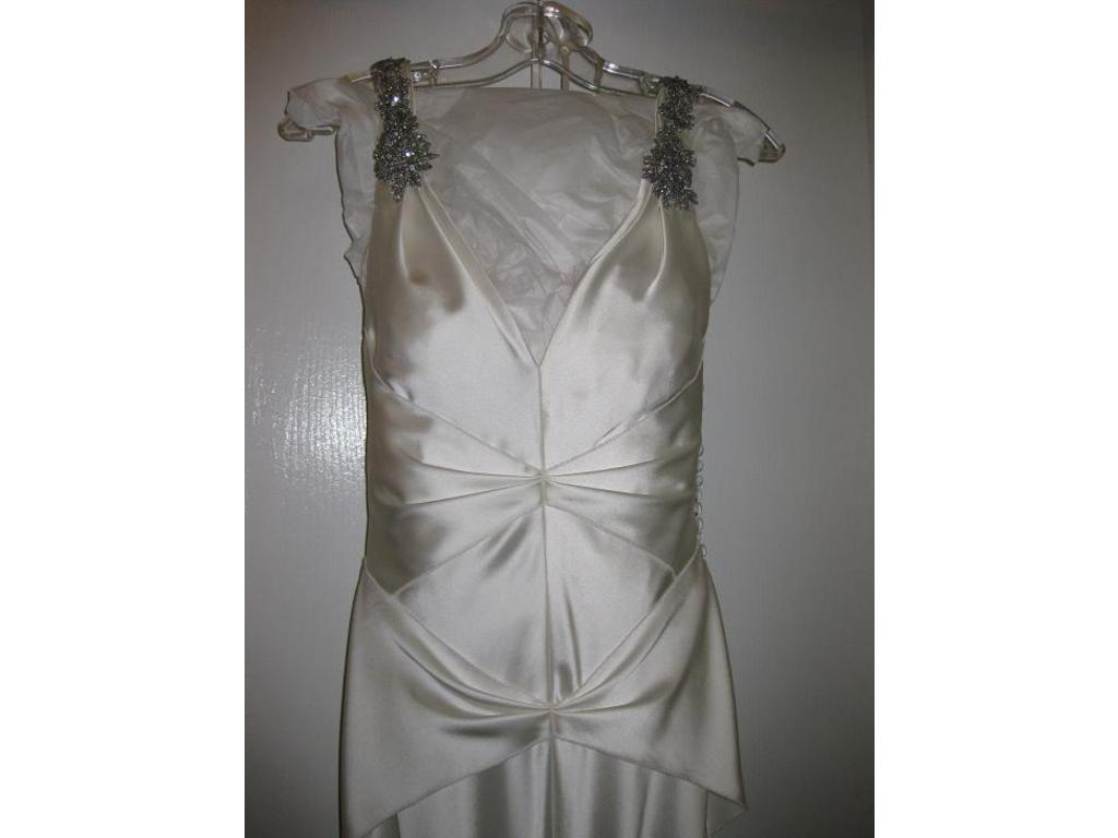 E G Couture Just Listed Vera Wang 50% off