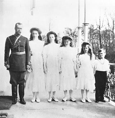 Fotos de los Romanov Romanov_family_balconyf