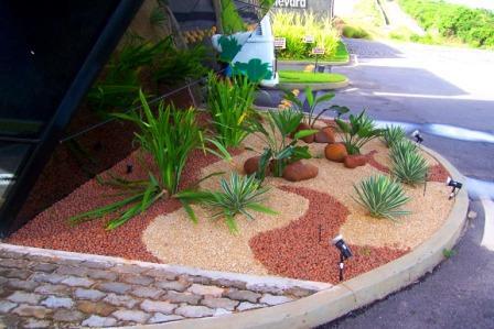 pedras para montar um jardim : Flores & Jardins: Pedras no jardim