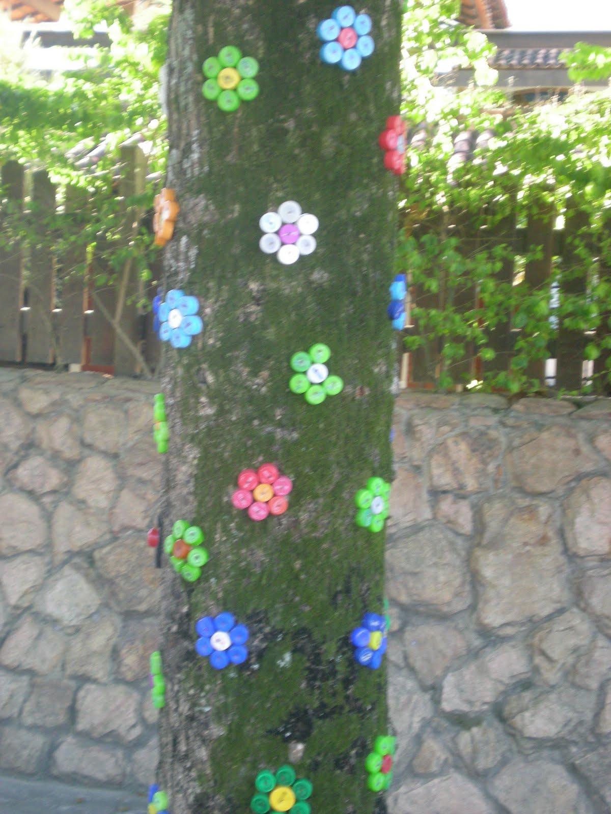Flores & Jardins Decoração com tampinha de garrafa pet