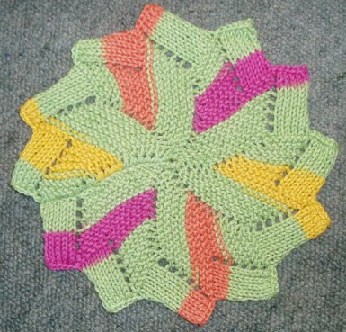 Knitted Circular Dishcloth Patterns : new dishcloth design? Sew Funky