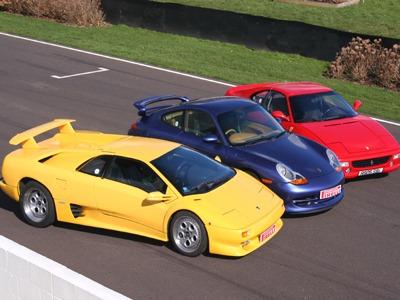 Ferrari vs Lamborghini vs Bugatti 7
