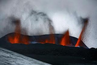 Letusan Gunung di Islandia 2