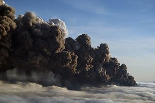 Letusan Gunung di Islandia 3
