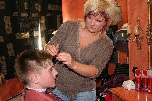 billig frisör södertälje