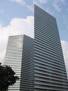 os dejo aqu fotos paraque contempleis la belleza de este conjunto de edificios