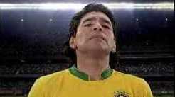 Maradona jugando para Brasil publicidad maradona con camiseta brasilera