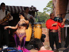 Belly Dancer with Mo' Rockin'
