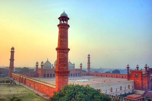 Badshahi Masjid The Beauty of Pakistan: 70 Amazing Photographs