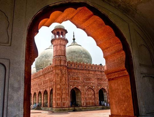 Badshahi+Mosque+Lahore The Beauty of Pakistan: 70 Amazing Photographs