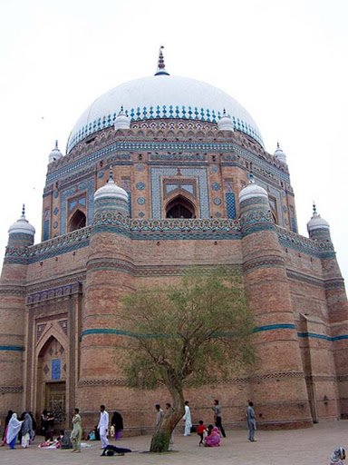 Shrine+of+Sheikh+Rukn Alam,+Multan,+Pakistan The Beauty of Pakistan: 70 Amazing Photographs