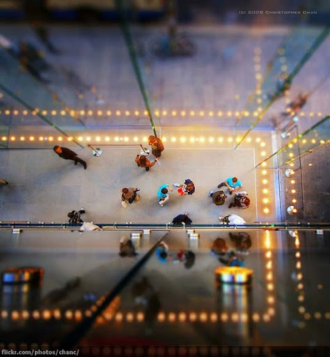 Sydney+Apple+Store+Miniature 50+ Beautiful Examples of Tilt Shift Photography