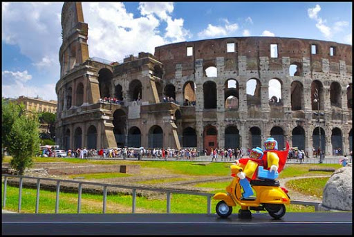 Minifigs+in+Rome.+Luchadors+at+Colosseum. 50 Incredibly Creative LEGO Creations