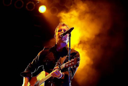 Dierks 44 Impressive Examples of Concert Photography | Inspiration