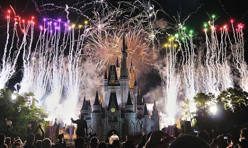 Magic+Kingdom,+Walt+Disney+World 60+ Jaw Dropping Examples of Fireworks Photography