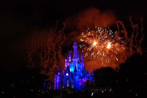 The+Magic+Kingdom+3 60+ Jaw Dropping Examples of Fireworks Photography