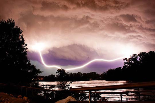 Coralville,+Iowa Striking and vivid Examples of Lightning Photography