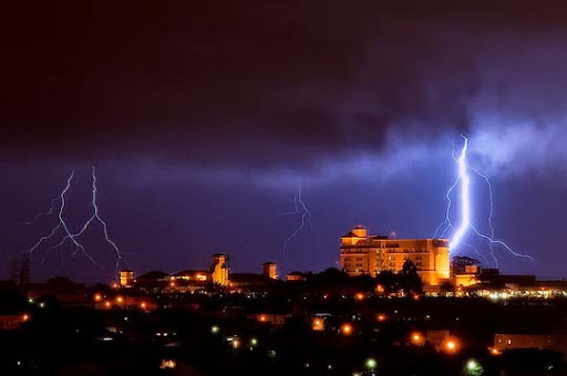 Campinas,+Sao+Paulo Striking and vivid Examples of Lightning Photography