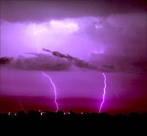 Ottawa,+Canada Striking and vivid Examples of Lightning Photography