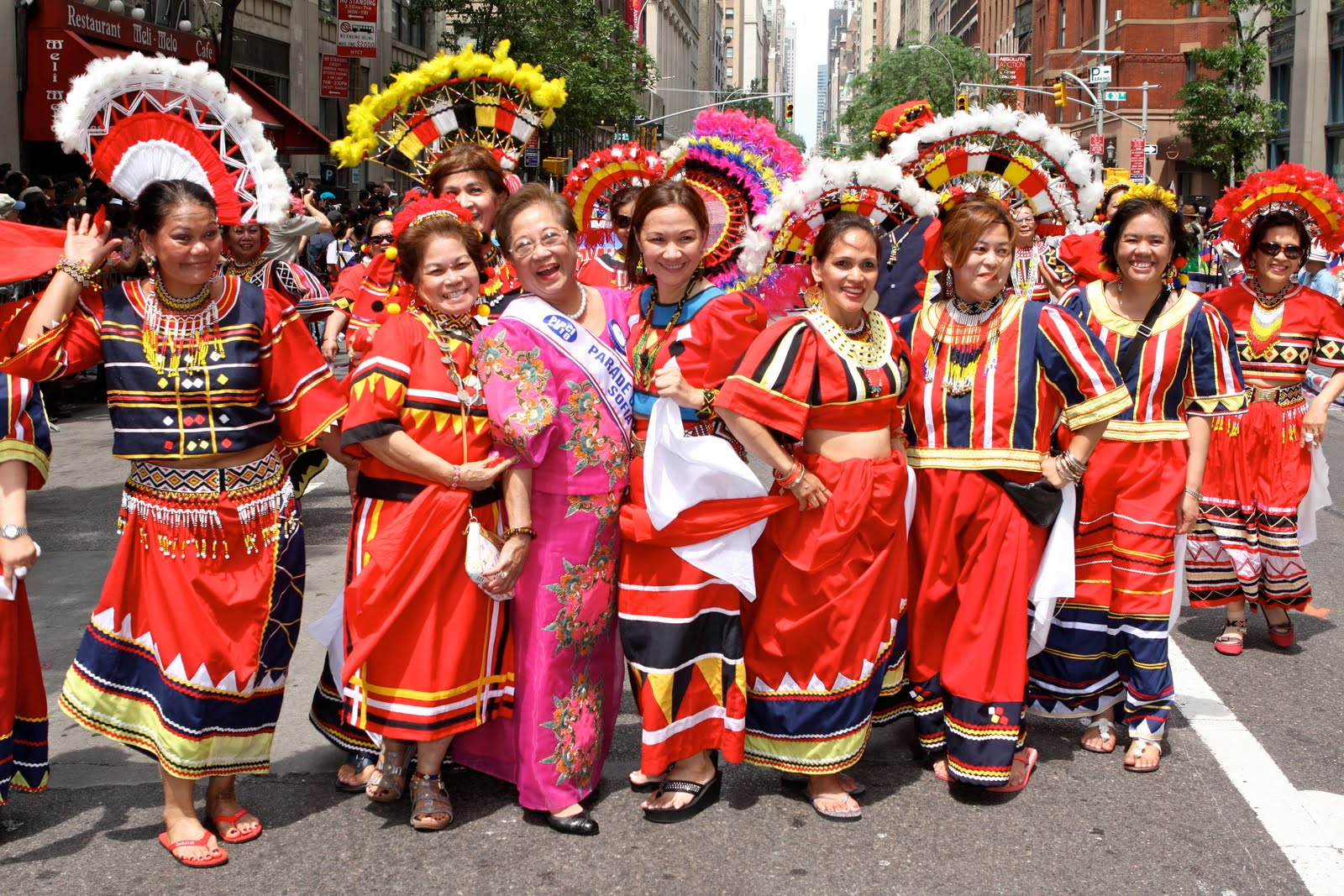 filipino culture Culture of the philippines - history, people, clothing, traditions, women, beliefs, food, customs, family no-sa.