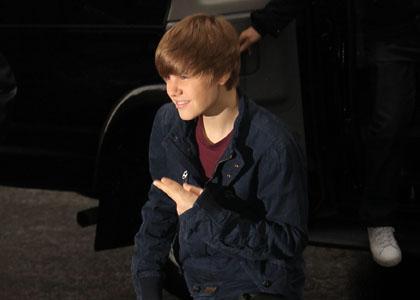 justin bieber driving license. Justin Bieber: License to