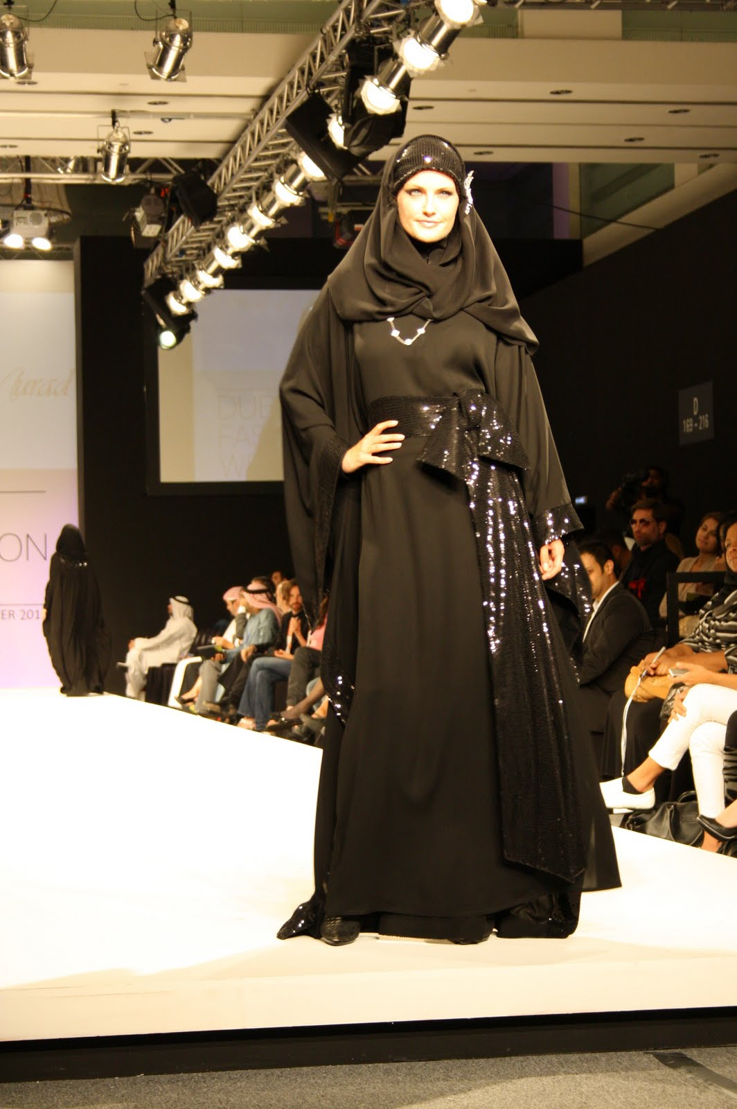 Abaya dubai fashion week in diffrnt style (4) Abaya 42