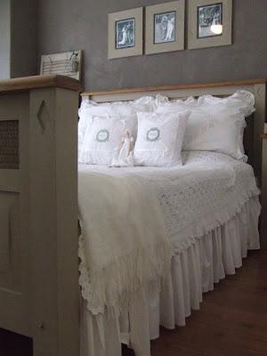 Brocante slaapkamer met warme grijstinten
