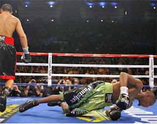 BOXEO-Williams se queda KO ante Martínez