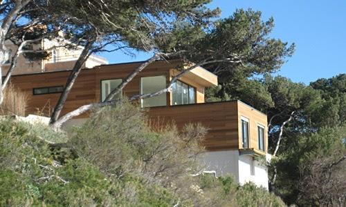 Une maison en bois design et pas cher chiche initiales gg - Maison design pas cher ...