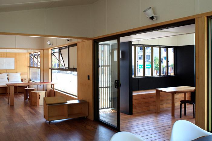 une maison en bois design et pas cher chiche. Black Bedroom Furniture Sets. Home Design Ideas