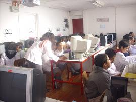 En el laboratorio de computación