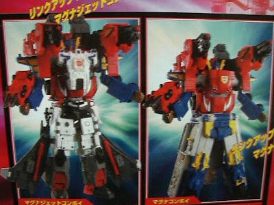 Welcome to Cybertron: Convoy + Jetfire + Overload = Magna Jet Convoy
