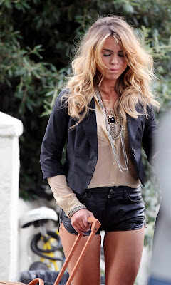 Billie Piper In Leather Hotpants