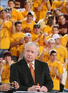 Digger Phelps holding orange highlighter