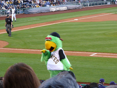 Pittsburgh Pirates mascot