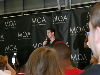 Mario Lopez autographing Knockout Fitness